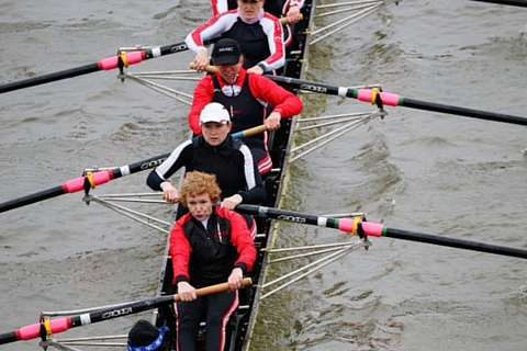 Jess Lion rows in the Hammersmith Head 2016